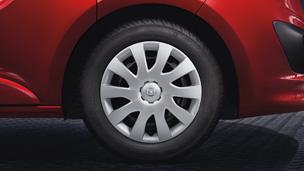 Opel Vivaro – 16 colos ötküllős acél keréktárcsa
