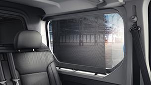 Opel Vivaro – Bočni prozor sa štitnikom od sunca