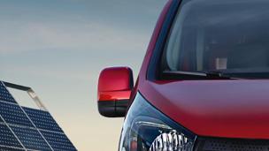 Opel Vivaro - Capacele oglinzilor