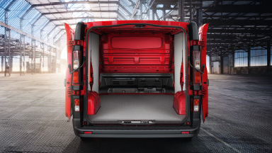 Opel Vivaro - lisavarustuses tagauksed