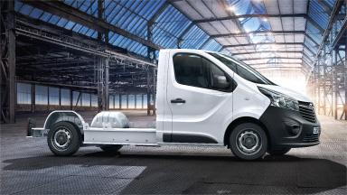 Opel Vivaro – Padlólemezes alváz