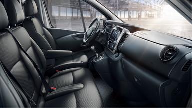 Opel Vivaro - Kuljettajan tilat