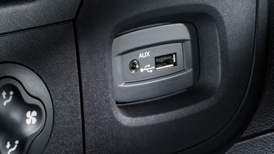 Opel Movano - Auxiliary Input And USB Connection