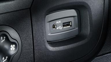 Opel Movano – Aux-in bemenet