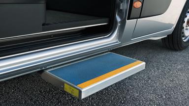 Opel Movano – Visszahúzható oldalfellépő