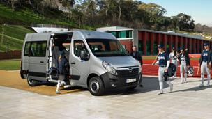 Opel Movano – Busz külső formatervezés