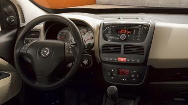 Nouvel Opel Combo Tour – Systèmes multimédias