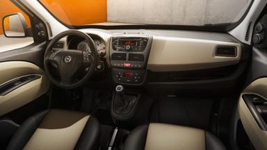 Opel Combo Tour - Sisätilojen muotoilu