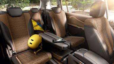 Opel Zafira Tourer - Komfortowe fotele klubowe