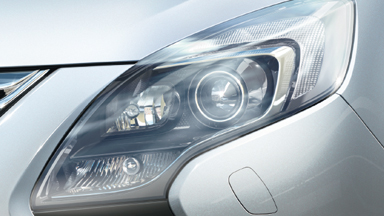 New Opel Zafira Tourer - Adaptive Forward Lighting