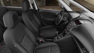 New Opel Zafira Tourer - Essentia