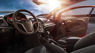 Opel GTC intérieur design modèle Sport