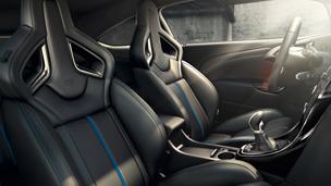 Opel GTC intérieur design modèle OPC