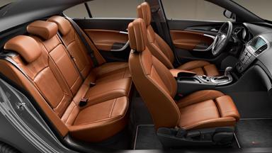 Opel Insignia hatchback - Luksusowe tapicerki skórzane