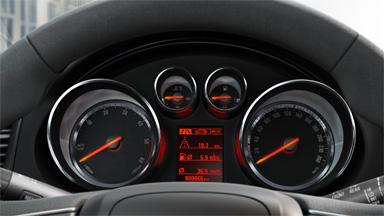 Opel Insignia notchback - Centru de informații pentru șofer cu ecran de 3,5 inch