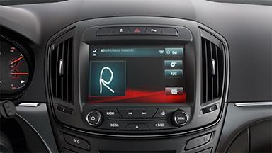 Opel Insignia notchback - Interfață om - mașină și Infotainment Touch700