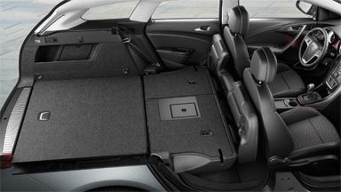 Opel Astra Sports Tourer - Większy i bardziej elastyczny przedział bagażowy
