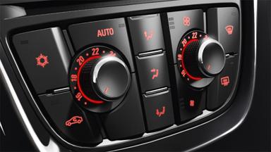 Opel Astra Sports Tourer - Klimatyzacja dwustrefowa