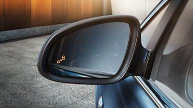 Opel Astra Hatchback - Ostrzeżenie o pojeździe w martwym polu