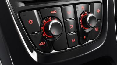 Opel Astra Hatchback - Dwustrefowa klimatyzacja
