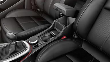 Opel Astra Hatchback - Nawet 18 schowków