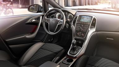 4 ajtós Opel Astra – Belső formatervezés