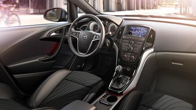 Opel Astra sedan - Unutrašnji dizajn
