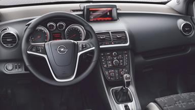 Opel Meriva intérieur multimédia CD 600