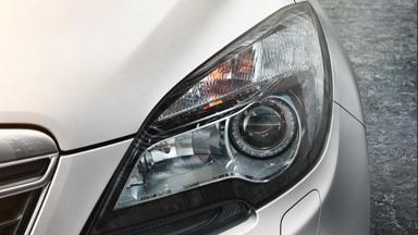 Opel Mokka détail phares bi-halogen